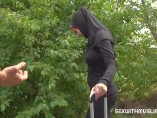 Taxi driver fucks cheeky muslim Ms
